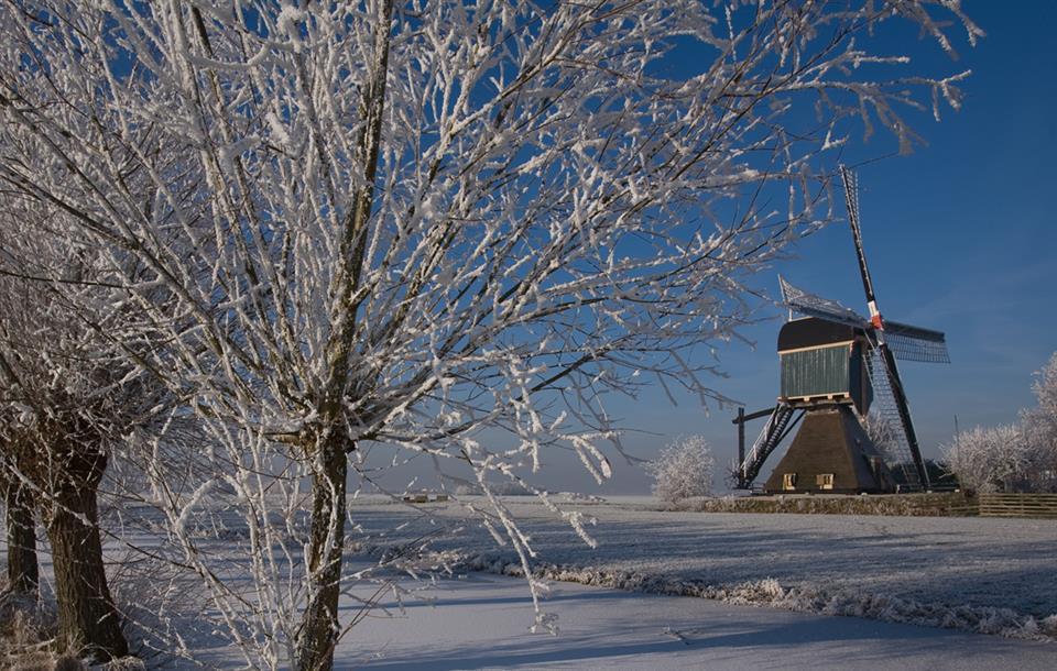 Er lekker *tussenuit* deze *winter*? - Hotel Akersloot / A9 Alkmaar