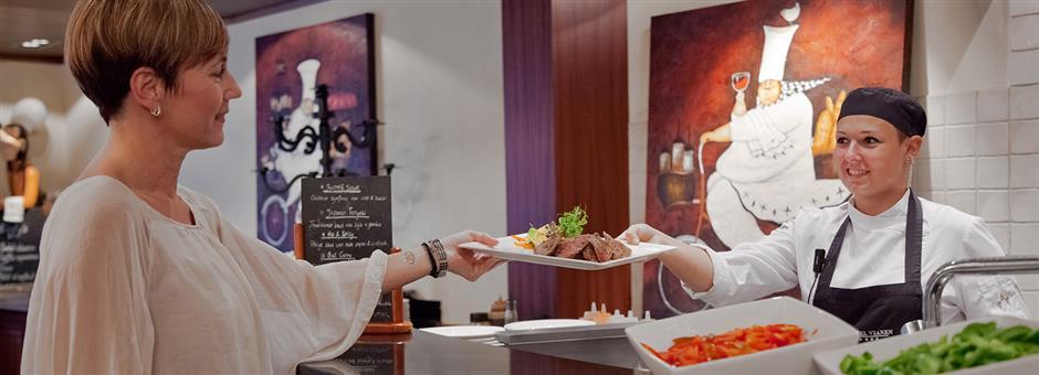 Onze *chefkoks* staan voor *u* klaar - Hotel Vianen