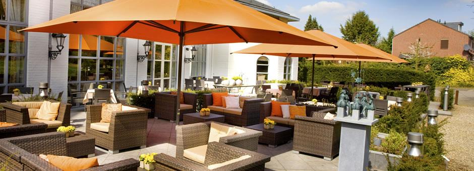 Breakfast at the terrace - Hotel Kasteel Bloemendal