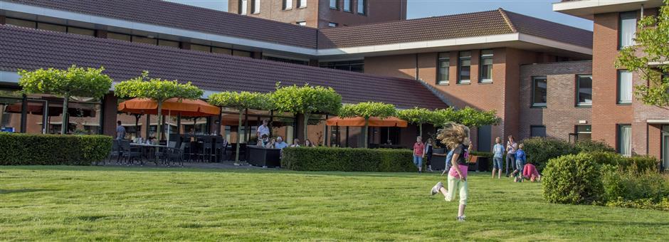 Geniet op ons zonnige *terras*  - Hotel Wolvega - Heerenveen