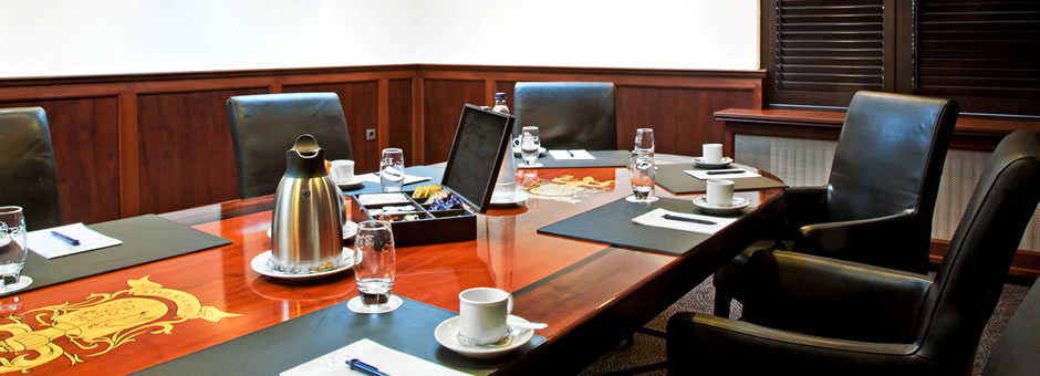*Successful* meetings |in a *haven of peace* - Hotel Emmeloord