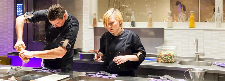 Genieten van lekkere gerechten - Hotel Rotterdam - Nieuwerkerk
