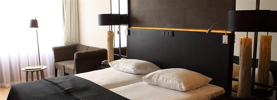*Uitgerust* voor de dag komen in onze *kamers* - Hotel Groningen-Westerbroek