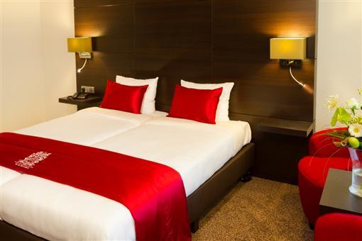 - Hotel Avifauna