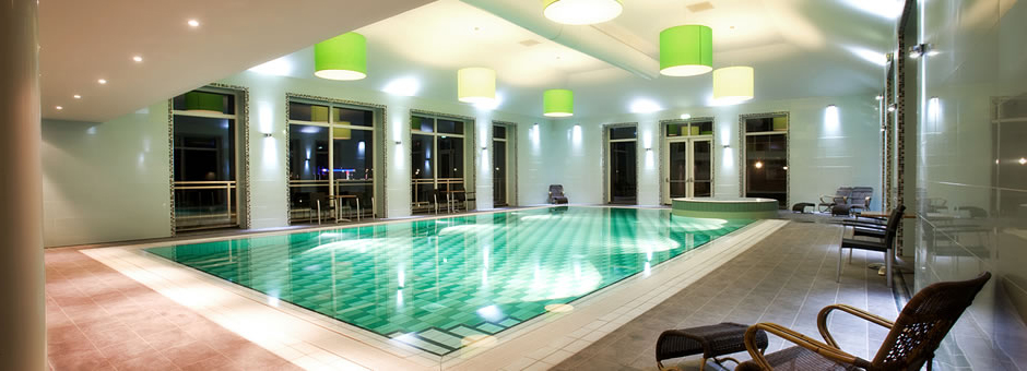 Take a  *dip* in |the warm water - Hotel Emmen