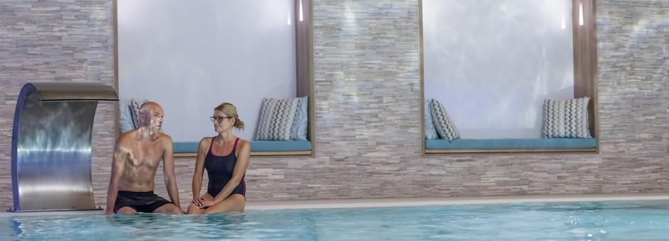 Beleef ons  verwarmde zwembad - Hotel Heerlen